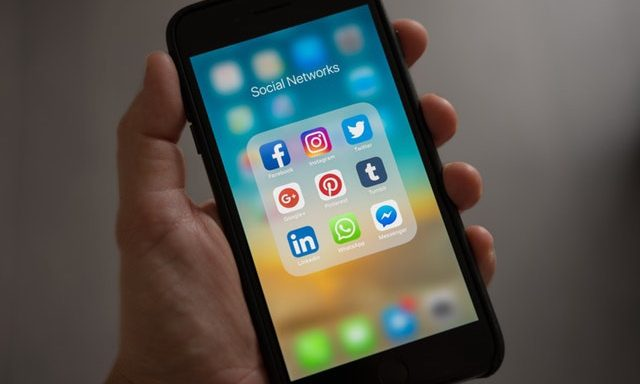 How to Organize Apps on Your iPhone