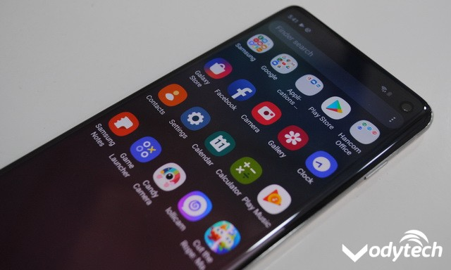 How to Enable the Dark Mode on Samsung Galaxy Phones