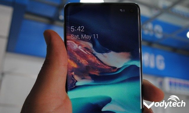 How to Reset or Reboot a Frozen Galaxy S10