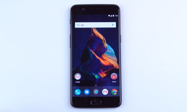 How to Take a Screenshot on the OnePlus 5