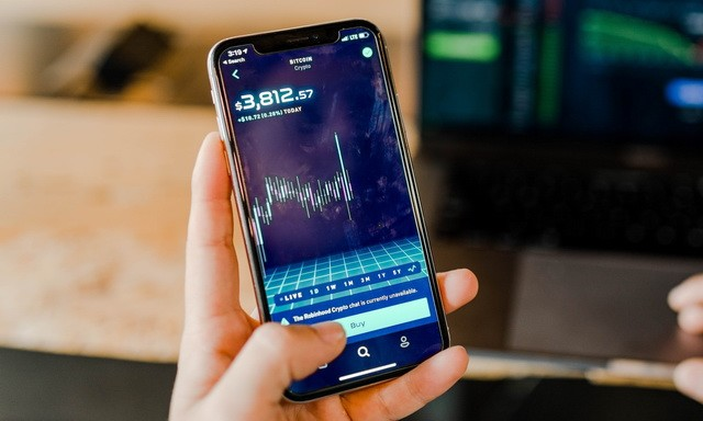 Best Cryptocurrency Apps for iPhone