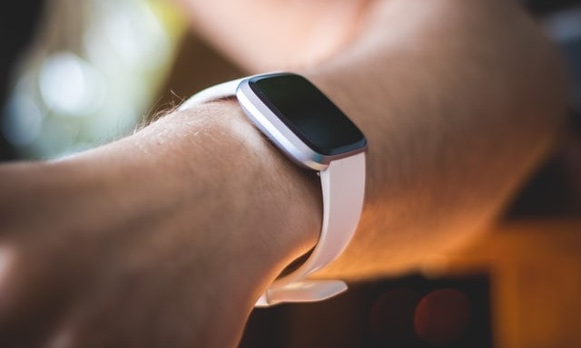 How to set up and Use Fitbit Pay